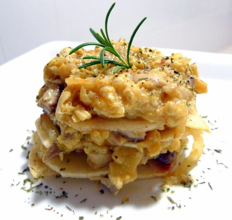 Revuelto de jamón ibérico, boletus y patatas